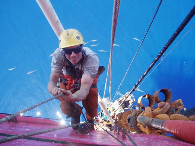 rope access offshore - Offshore Locations - Rope Access Photo Gallery ...