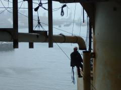 heavy pipe rigging using rope access on semi submersible