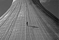 The walk to work - rope access on a cooling tower