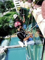 rope access window cleaning in Singapore
